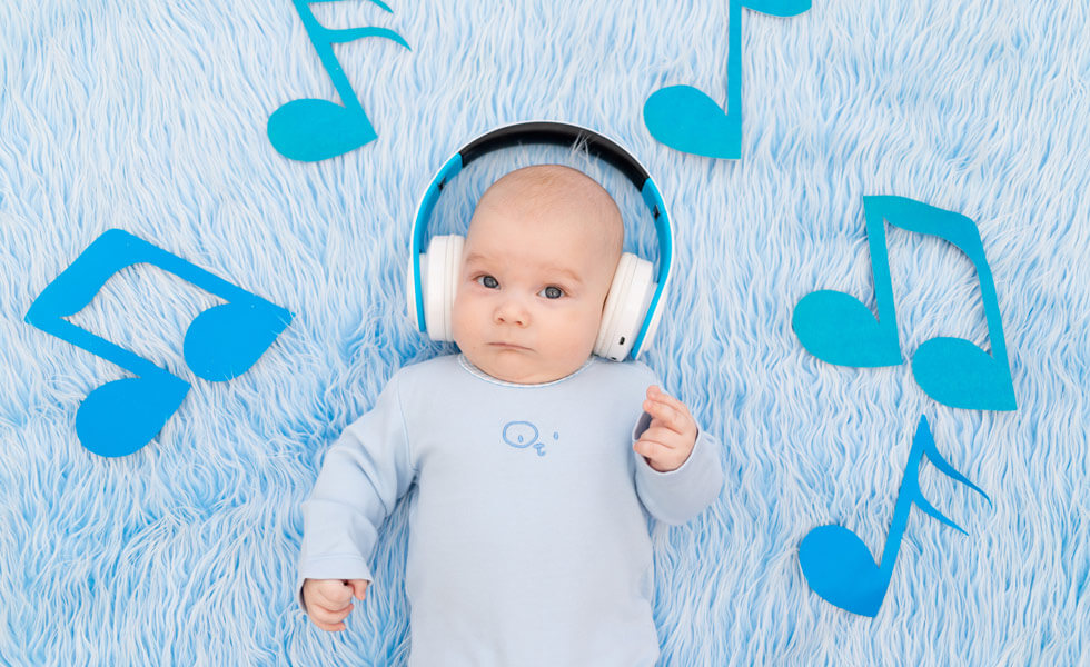 Come sviluppare il linguaggio di tuo figlio con la musica