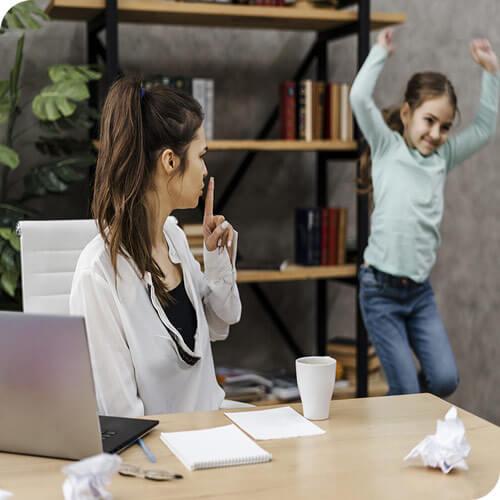 Il Covid ha generato anche: •distanza,  •affaticamento,  •mancanza di scambio e di socialità alla pari,  •normali rapporti tra colleghi interrotti e congelati al lavoro,  •famiglie appesantite e profondamente cambiate dal lavoro a distanza, •figli a casa annegati nella DAD